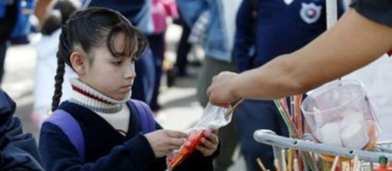 Se mantendrá la venta de comida chatarra en el próximo ciclo escolar