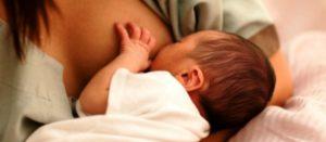La lactancia materna reduce la tasa de mortalidad entre los bebés y los protege de enfermedades infecciosas