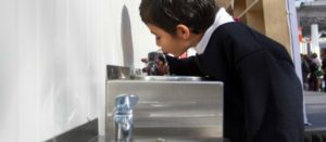 Bebederos en escuelas; ojo con calidad del agua