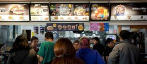"Chile inicia una ""batalla frontal"" contra la obesidad infantil"