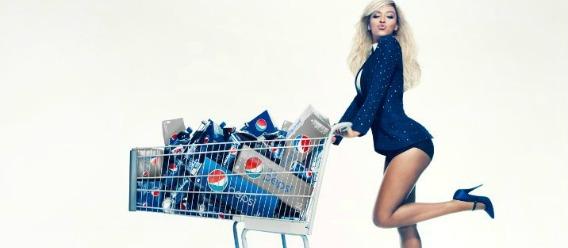 Las estrellas de pop anuncian refrescos y comida basura
