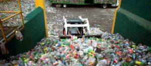 Tiran mexicanos 90 millones de botellas a calles, bosques, ríos y mares cada año