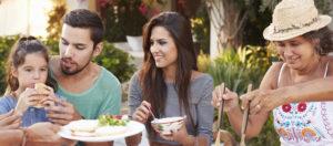 ¿La comida para adultos debe ser diferente de la comida para niños?