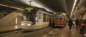 El metro de Ámsterdam se limpia de comida basura