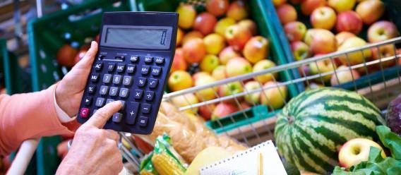 Modificar el precio de solo 7 alimentos podría salvar miles de vidas al año, según un estudio