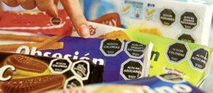 Etiquetado frontal de advertencia en productos procesados y bebidas azucaradas que se utiliza en Chile, Perú y Uruguay, y próximamente en México