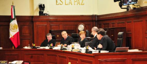 Sesión de la Suprema Corte de Justicia de la Nación (SCJN) donde aparecen los ministros Fernando Franco y Luna Ramos
