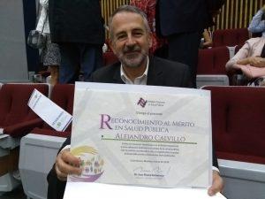 """Premio """"Campeones de la Salud"""" a El Poder del Consumidor, a través de su director Alejandro Calvillo, por su trabajo en la defensa de la salud pública y la lucha contra la epidemia de obesidad y sobrepeso"""