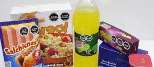 Productos de comida y bebida procesada con etiquetado de advertencia
